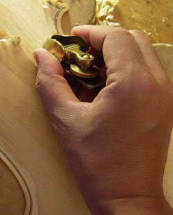 Instrument-making, Yoshi-Benoît Sugiyama, violin maker, Vevey, Switzerland